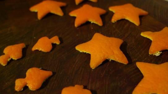 Ornamente aus Orangenschalen